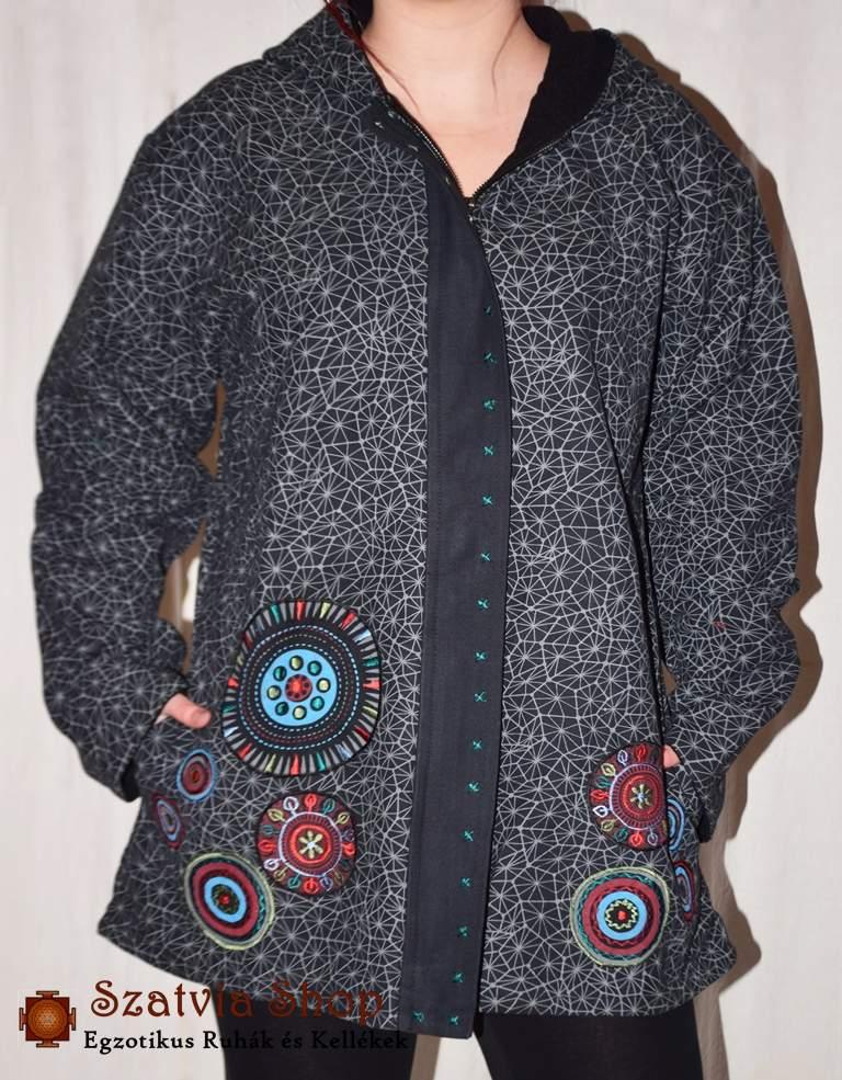 Extravagáns női Nepáli kabát- pókhálós minta