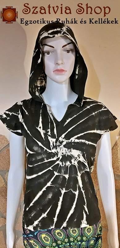 Kapucnis, batikolt póló-fekete